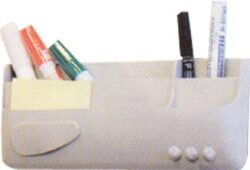 Magnetický držák popisovačů-Pro připevnění na magnetickou tabuli. Možno vložit až 4 popisovače.