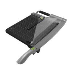 Řezačka papíru páková REXEL ClassicCut CL200-Páková řezačka s velkou stabilní základnou a samoostřící čepelí - ideální pro školy, domácnosti i menší kanceláře. Délka řezu činí 310 mm, kapacita řezání 15 listů dokumentů až do velikosti A4.